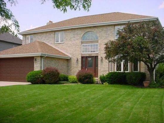 1067 Parkview Cir, Carol Stream, IL 60188