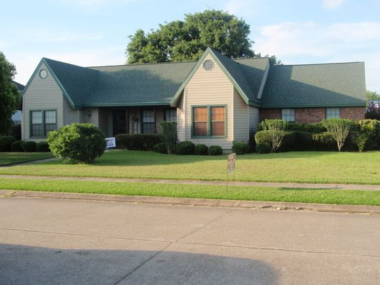 830 Cherokee Ave, Port Neches, TX 77651