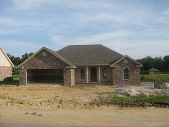 10 E Spruce St, Sumrall, MS 39482