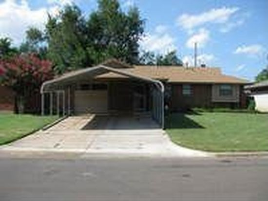 749 SW 2nd St, Moore, OK 73160