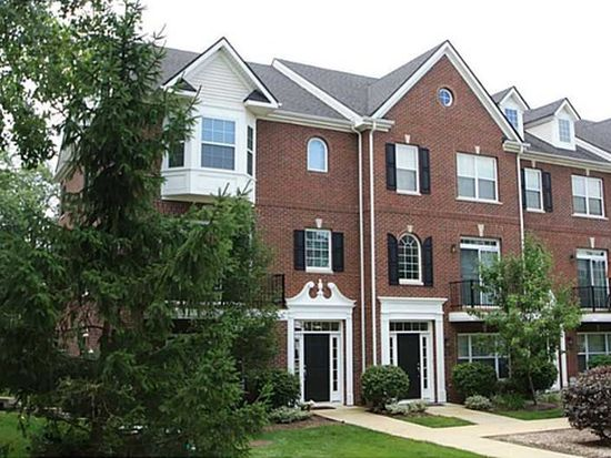 11900 Kelso Dr UNIT 5, Zionsville, IN 46077