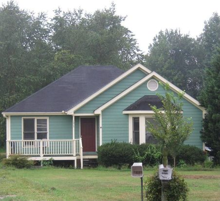 1013 Meadow Creek Dr, Clayton, NC 27520