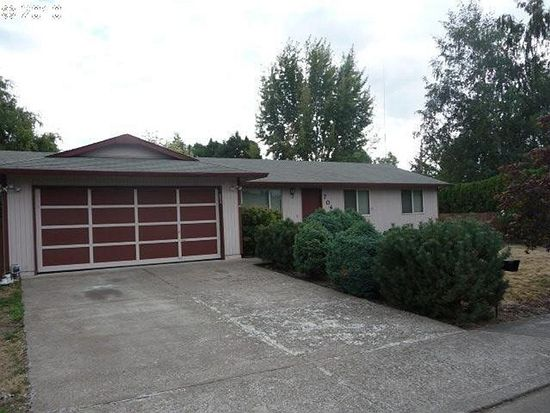 704 Oak St, Molalla, OR 97038