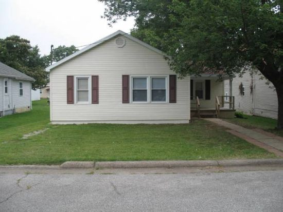 723 16th St, Tell City, IN 47586
