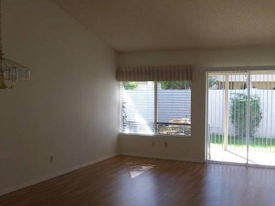 1025 E Villa Theresa Dr, Phoenix, AZ 85022