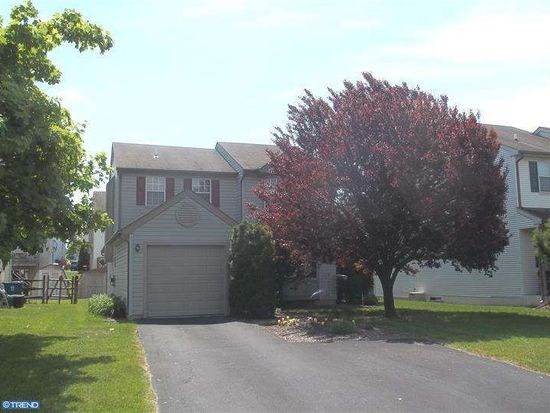 104 Greenview Rd, Collegeville, PA 19426