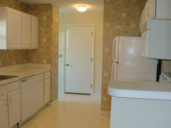 6085 Murphys Pond Rd, Canal Winchester, OH 43110