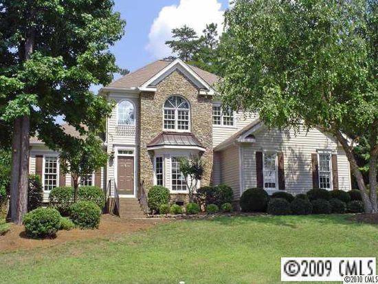 226 Fernbrook Dr, Mooresville, NC 28117