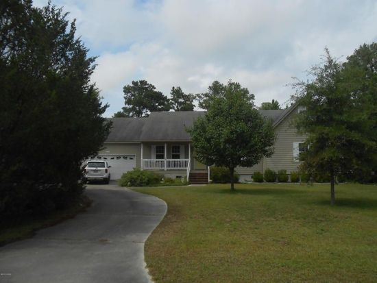 217 Star Hill Dr, Cape Carteret, NC 28584