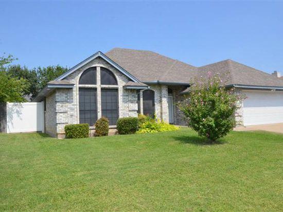1132 Windy Meadows Dr, Burleson, TX 76028