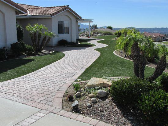 12456 Winter Gardens Dr, Lakeside, CA 92040