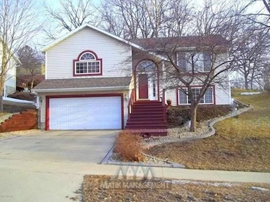5 23rd St SW, Rochester, MN 55902