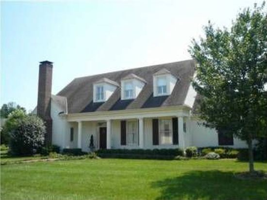 4200 Rivers Edge Ct, Louisville, KY 40222