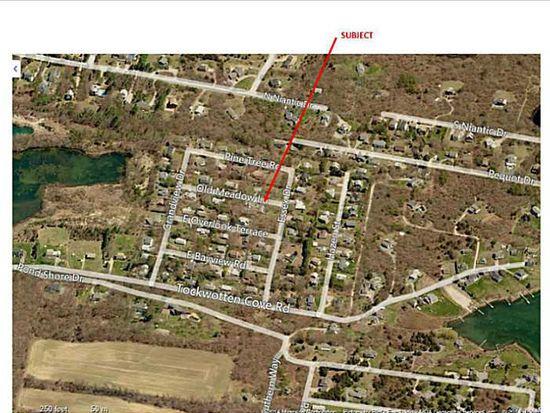29 Old Meadow Ln, Charlestown, RI 02813