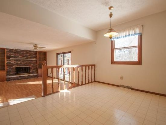 208 S Hillsdale Ct, Bloomington, IN 47408