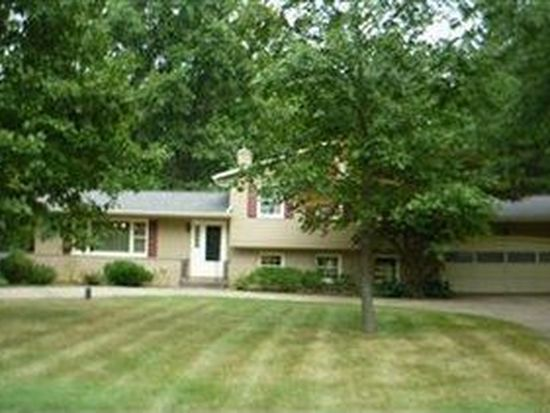 223 Pineland Dr, Copley, OH 44321