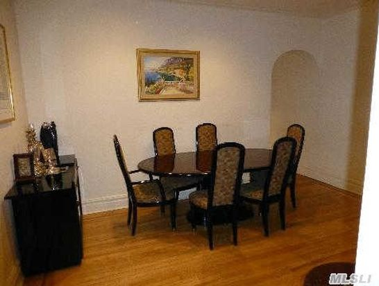 1 Meadow Dr APT 2G, Woodmere, NY 11598
