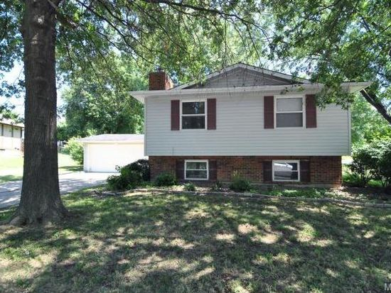 207 Plum Tree Dr, Saint Peters, MO 63376