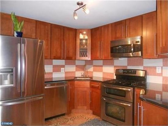 3196 Oak Rd, Huntingdon Valley, PA 19006