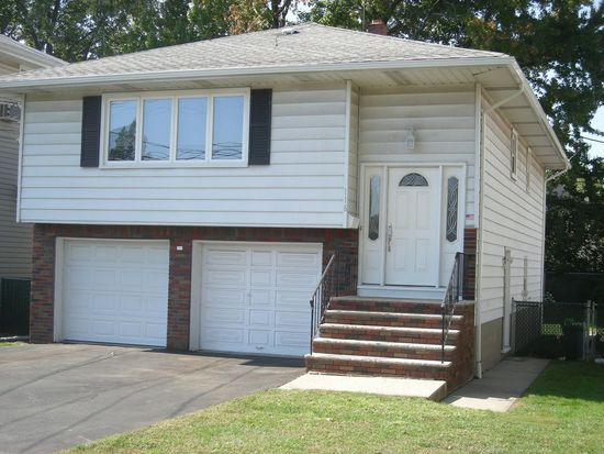 116 Mill St, Elmwood Park, NJ 07407