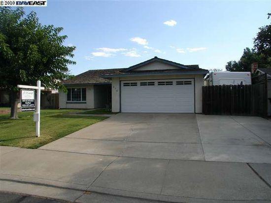 678 Debra St, Livermore, CA 94550