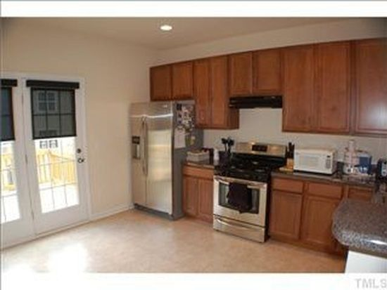 142 Dove Cottage Ln, Cary, NC 27519