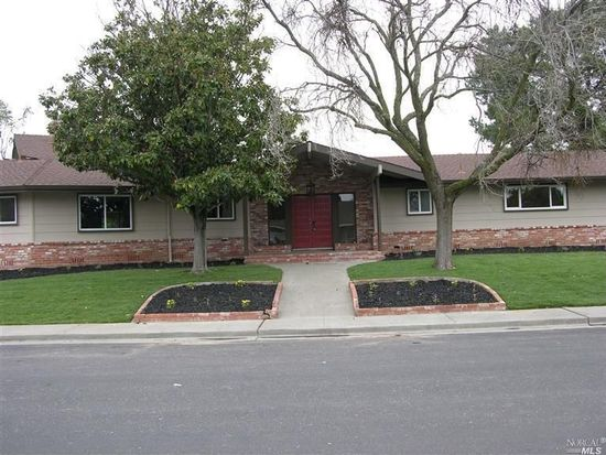 1100 Churchill Dr, Fairfield, CA 94533