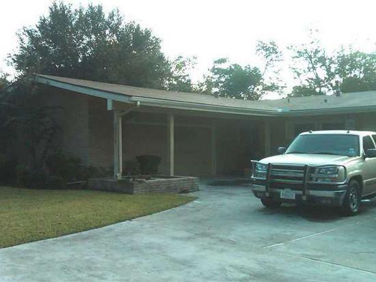 5116 Woodlawn Dr, Groves, TX 77619