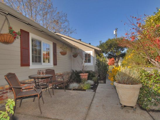 236 Oakview Dr, San Carlos, CA 94070