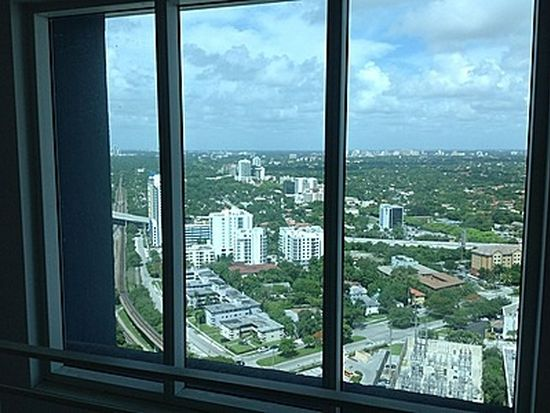 60 SW 13th St APT 2807, Miami, FL 33130