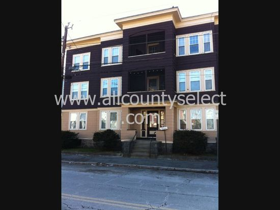 275 Andover St APT 6, Lawrence, MA 01843