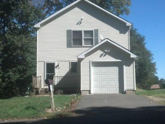 28 Mcadoo Ave, Trumbull, CT 06611