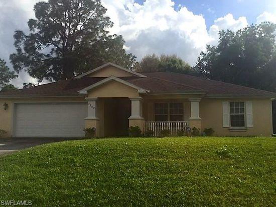 2707 9th St W, Lehigh Acres, FL 33971