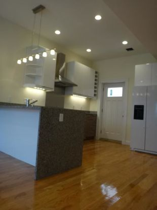 2 W 3rd Street Pl, South Boston, MA 02127