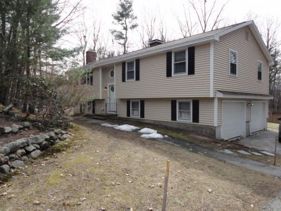 19 Royal Ln, Londonderry, NH 03053