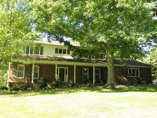 6165 Mountainside Dr, Hickory, NC 28601