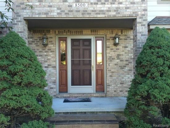 8500 Ranch Estates Rd, Clarkston, MI 48348