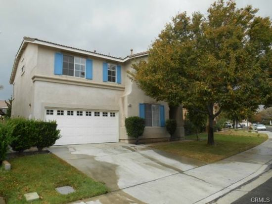 5780 Bay Hill Ln, Fontana, CA 92336