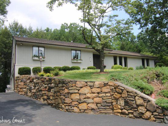 5245 Falcon Ridge Rd, Roanoke, VA 24018