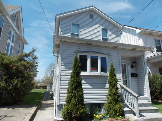 228 W 3rd Ave, Derry, PA 15627