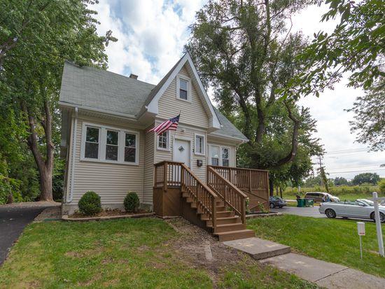 7 Cumnor Rd, Westmont, IL 60559