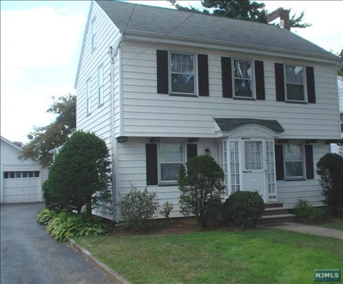 218 Passaic Ave, Hasbrouck Heights, NJ 07604