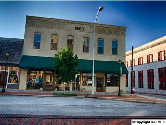 704 Bank St NE, Decatur, AL 35601