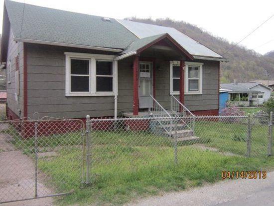 1326 Fayette Pike W, Montgomery, WV 25136