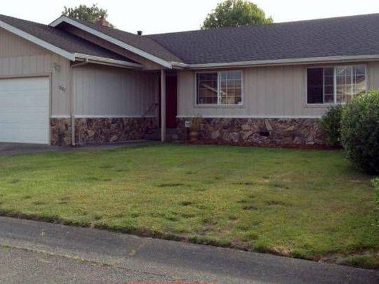 1007 Meadow Ln, Fortuna, CA 95540