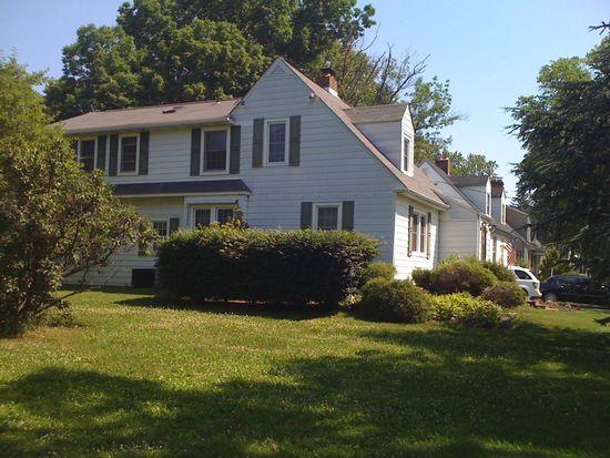 9 Haines Dr, Moorestown, NJ 08057