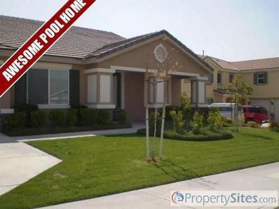 6397 Angels Peak Dr, San Bernardino, CA 92407