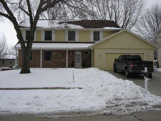 7010 Candlewick Dr NE, Cedar Rapids, IA 52402
