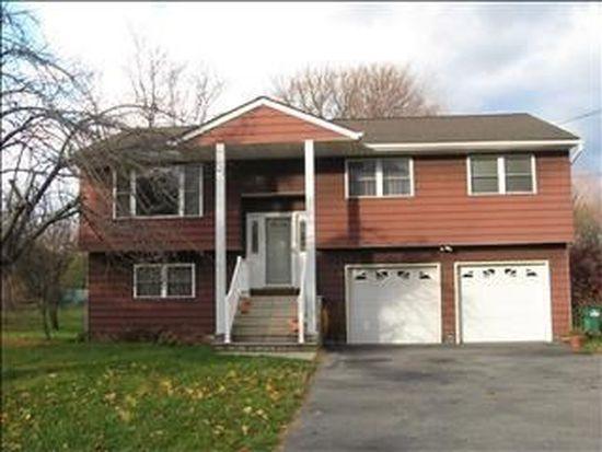 22 Sutton Park Rd, Poughkeepsie, NY 12603