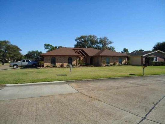 2916 Delta Dr, Port Arthur, TX 77642